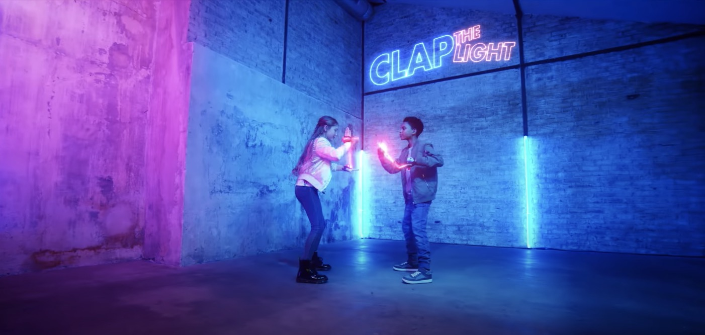 Clap_the_light_aurore_donguy